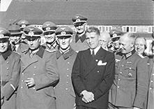 Вернер фон Браун отец космонафтики Германии и США в центре