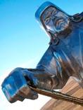 Лучший восточный полководец мира Чингизхан, абстрактный памятник из металла