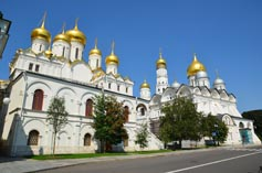 Московский Кремль Благовещенский и Архангельский соборы