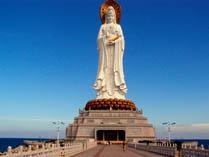 Статуя богини Гуаньинь в Санья