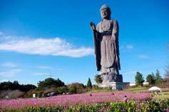 Статуя Будды Усику Дайбацу