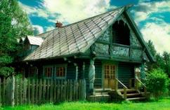 Деревенский расписной дом