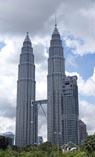 Башни-близнецы Петронас в Куала-Лумпуре