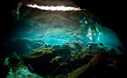 Водная пещера для жертвоприношений Майя 15