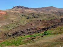 Предполагаемый остов закаменелого Ноего Ковчега на горе Арарат